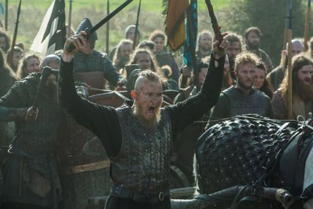 Bjorn preparing for battle in the series 'Vikings'. (CC BY SA)