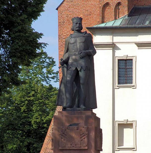 Bolesław I the Brave statue at Gniezno.