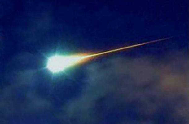 Bolides are extremely bright meteorites that often explode while in mid-air. (Public Domain)