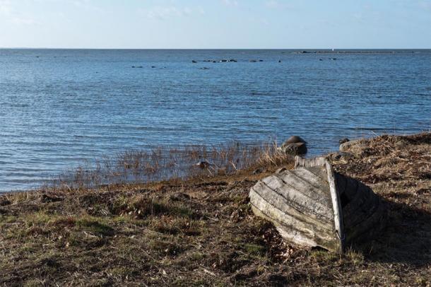 The Brittany Rock inscription tells of man who died at sea. (olandsfokus / Adobe Stock)