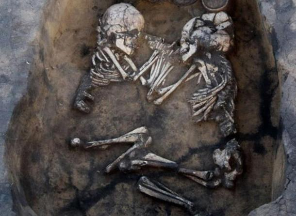 Bronze Age couple found in Novosibirsk, Russia.