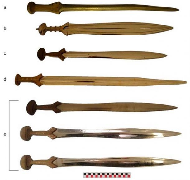 The Bronze Age replica swords used in the study. (R. Herman et al. / Journal of Archaeological Method and Theory)