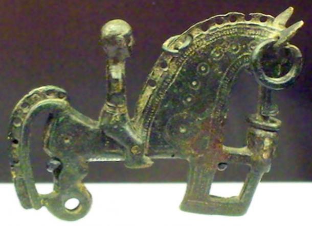Bronze Celtiberian fibula representing a warrior from the 3rd–2nd century BC. (Zaqarbal / CC BY-SA 3.0)