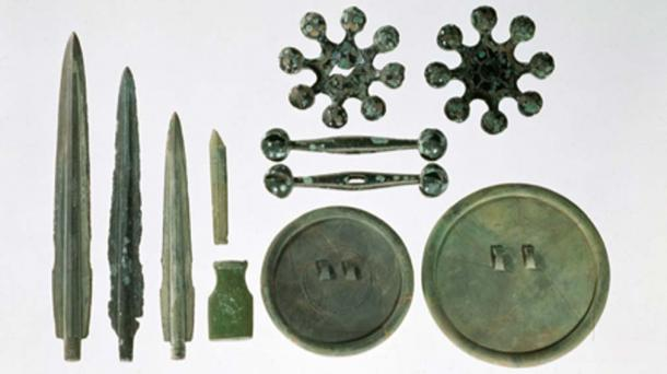 Bronze age artifacts which tin was vital for production. (Grampus / Public Domain)