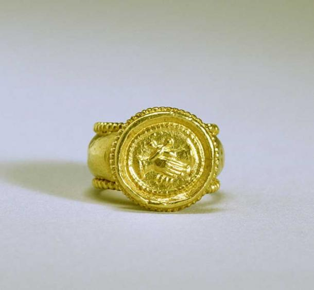 Byzantine Empire Wedding Ring. The motif of the clasped hands, signifying love, betrothal, and marriage, was first introduced in the Roman period and remained a popular symbol until the 19th century.