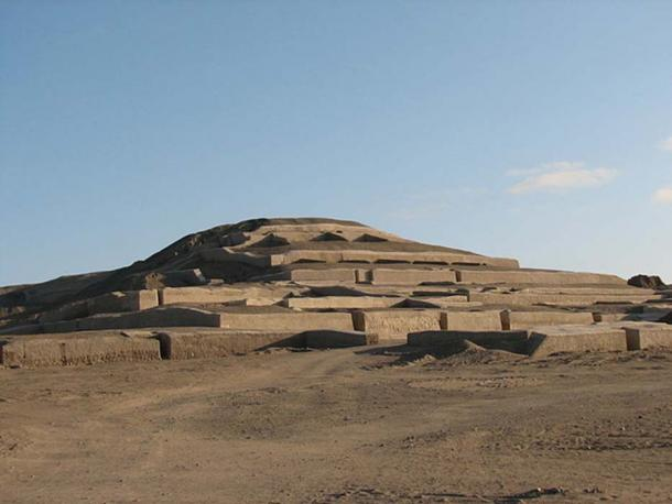 Cahuachi archaeological site in Peru, city of the Nazca line builders