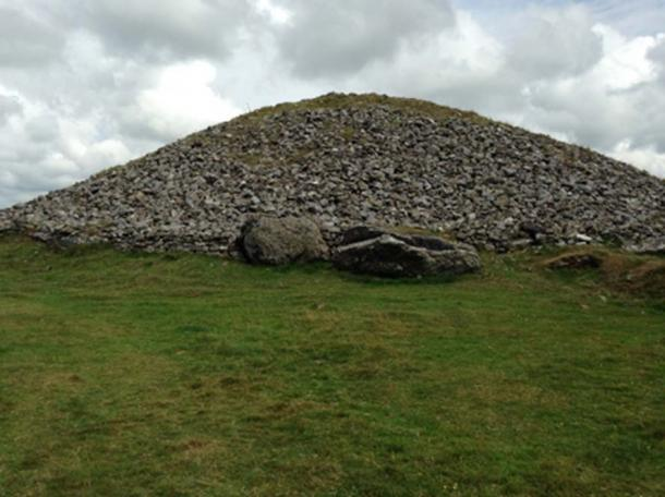 Cairn T: A cairn, or mound of stones. © LPOBryan