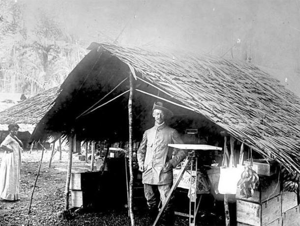 German surveyor, Cameroon, 1884 (CC BY-SA 3.0)