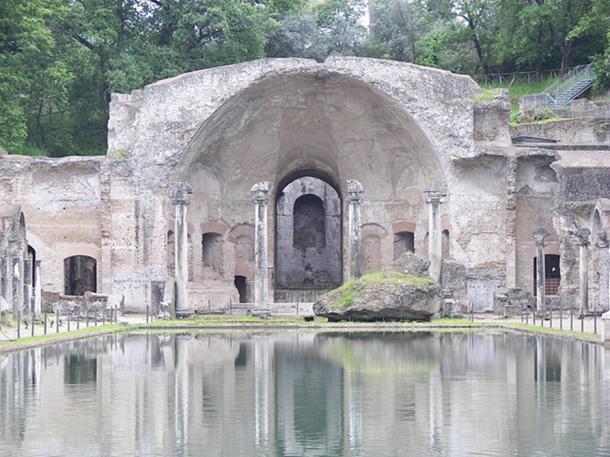 Canopo in Villa Adriana, Tivoli. (CC BY-SA 3.0)