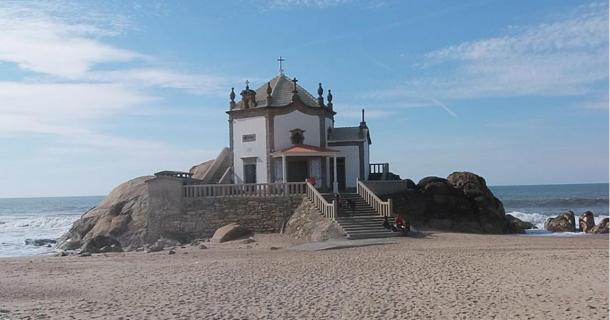 Pagan ceremonies are still carried out at the site of the Capela do Senhor da Pedra