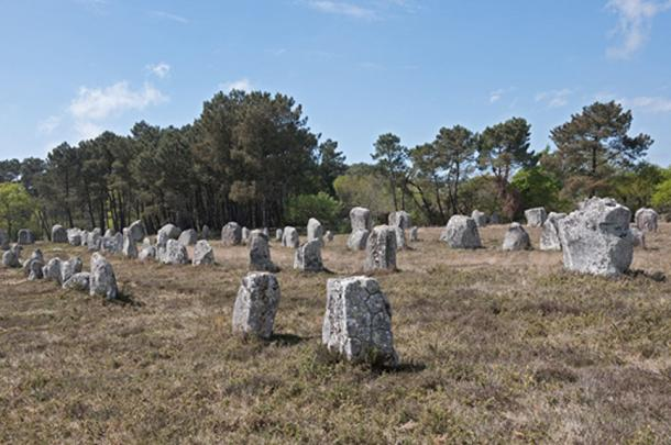 Carnac Stone Rows (Wikimedia Commons)