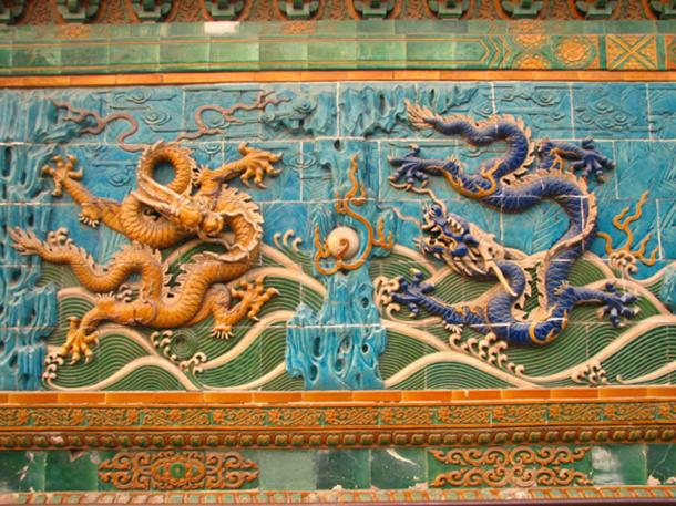 Carved imperial Chinese dragons at Nine-Dragon Wall, Beijing. (HéctorTabaré / CC BY-SA 2.0)