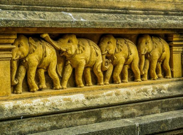 Carvings with elephants in Kelaniya Temple, Sri Lanka (Diego Fiore/ Adobe Stock)