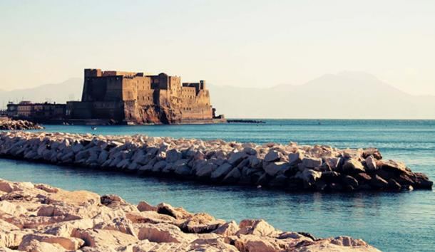 Castel dell'Ovo, Naples. (Public Domain)
