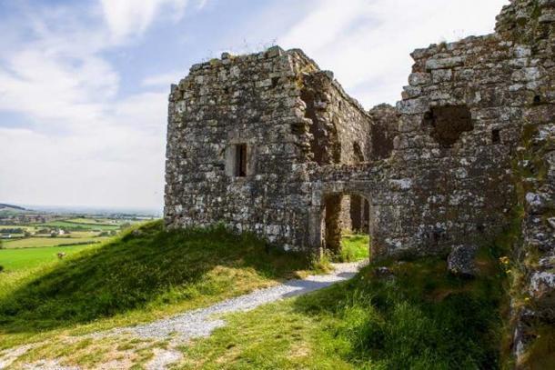Castle walls at Rock of Dunamase. Credit: Ioannis Syrigos