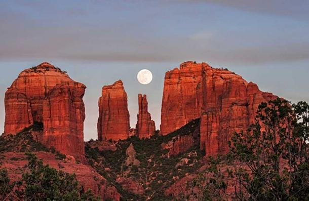"""Image credit © """"Cathedral of the Moon"""" Loree Johnson."""