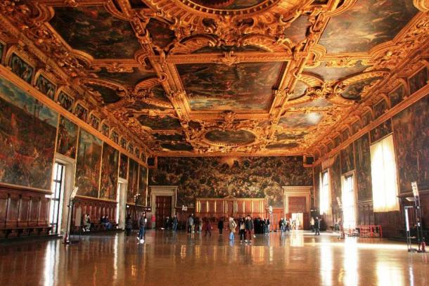 The Chamber of the Great Council in the Doge's Palace, Venice. (Pascal06 /Adobe Stock)