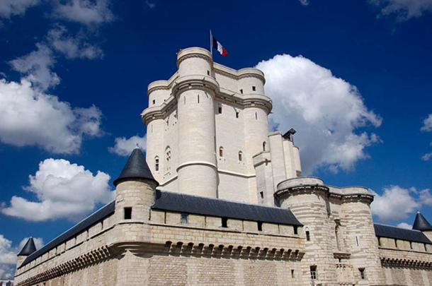 Château de Vincennes keep, from the south-east corner of the moat.