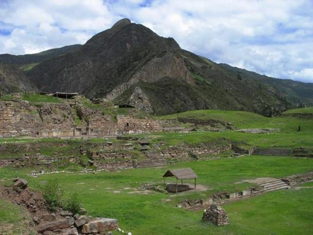 Overview of Chavín de Huantar.