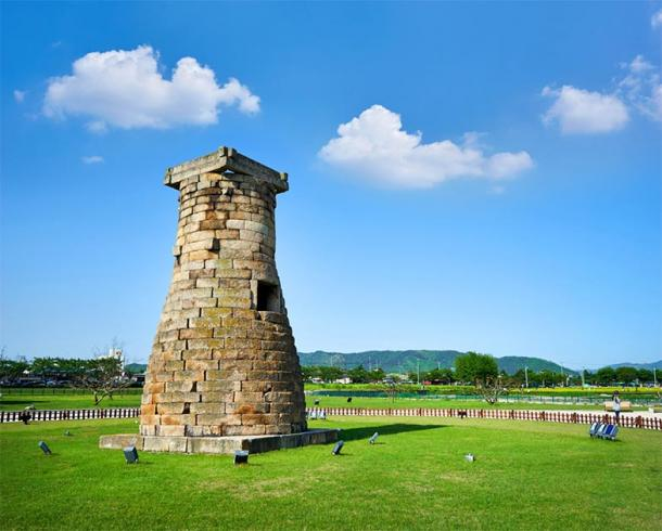 Cheomseongdae - the oldest astronomical observatory in East Asia. Daereungwon tomb complex, Gyeongju, South Korea. (photo_HYANG / Adobe stock)