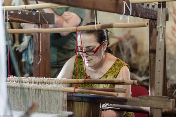 Chiara Vigo, last master of sea silk manufacture, weaving with sea silk