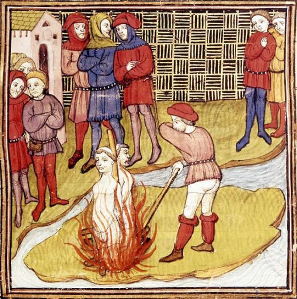 Detail of a miniature of the burning of the Grand Master of the Templars and another Templar. From the 'Chroniques de France ou de St Denis.' (Public Domain)