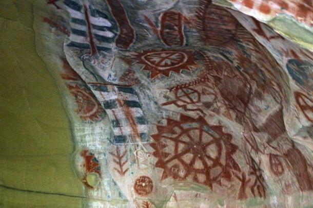 Chumash art on the walls of Painted Cave in the mountains above Santa Barbara. (CC BY-SA 2.0)