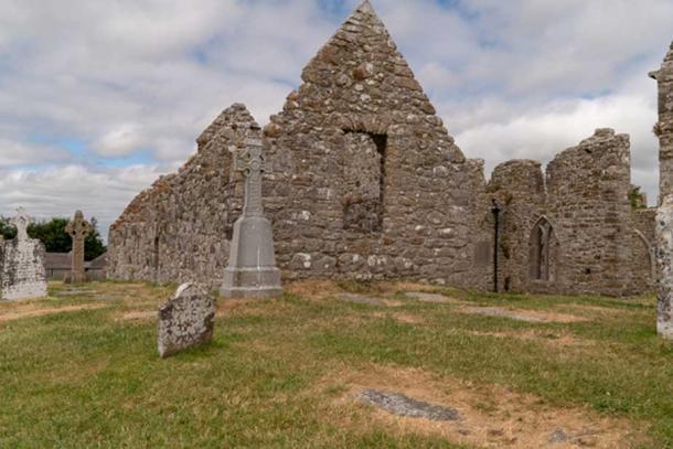 Church ruins at Clonmacnoisee