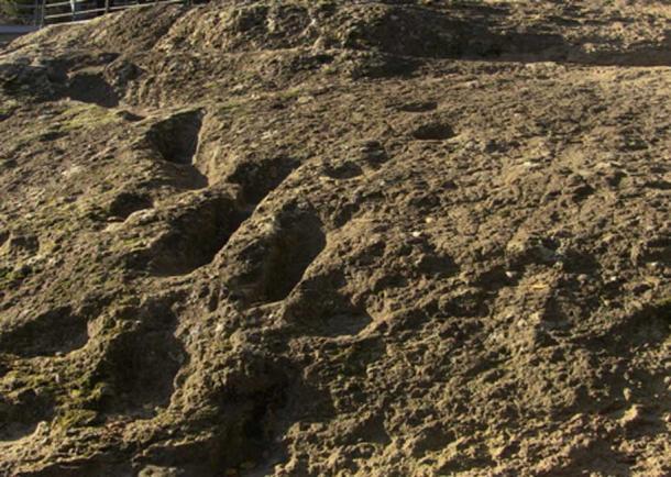 """""""Ciampate del Diavolo"""", 350.000 years old footprints at Tora e Piccilli (CE) Italy"""
