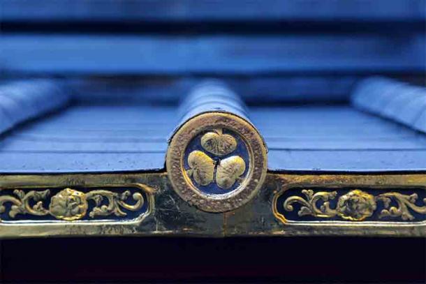 El símbolo del clan del shogunato Tokugawa fundado por el shogun más poderoso de Japón, Tokugawa Ieyasu.