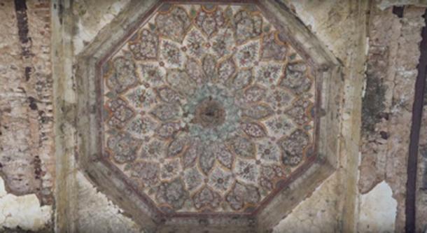 Close up of entrance of Shawala Teja Singh Hindu Temple. (Junaid Syed / YouTube Screenshot)
