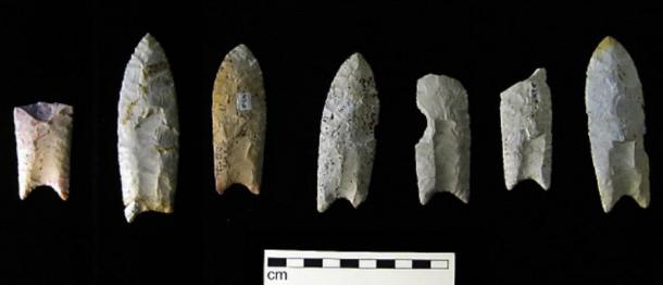 Clovis points from the Rummells-Maske Cache Site, Iowa. (Billwhittaker / CC BY-SA 3.0)