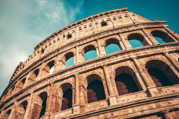 The Colosseum has a layered lattice structure, similar to metamaterials
