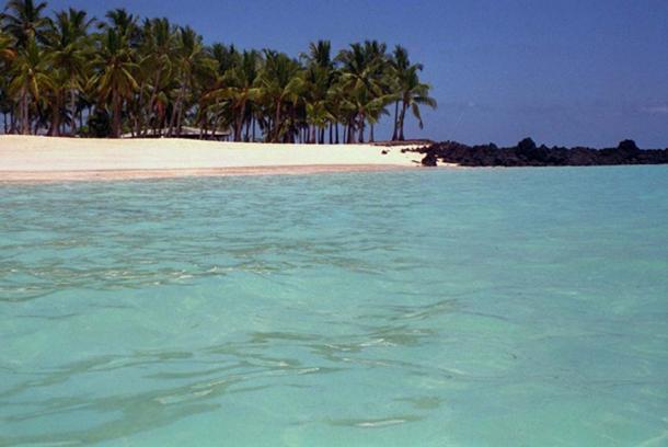 Comoros beach (Kurlvink, J / CC BY 2.0)