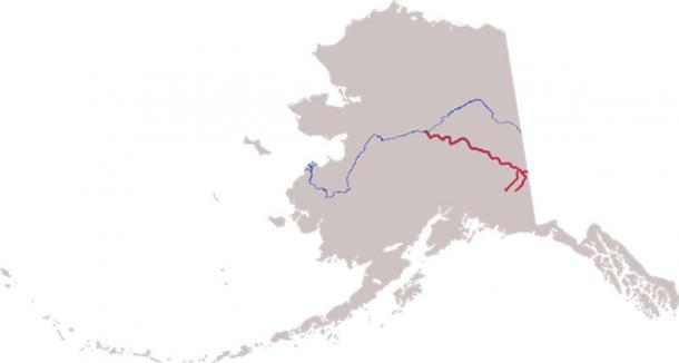 Course of the Tanana River, formed by the shorter Nabesna River (left) and Chisana River (right), then flowing northwest to meet the Yukon River