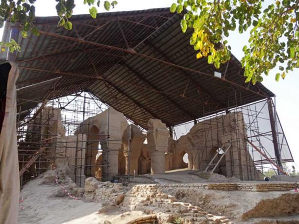 Covered ruins of Tacht-e Rostam (Nava Vihara), Balkh, Afghanistan. (kyselak/CC BY SA 4.0)