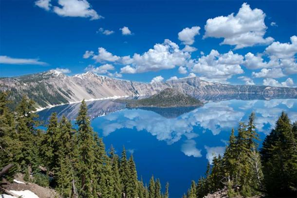 """Crater Lake Reflections, 2011."" (Image copyright © Loree Johnson"