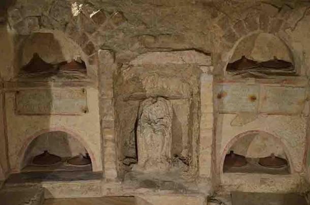 Cremation burial urns at the necropolis of the Via Triumphalis, Vatican City. (Carole Raddato / CC BY-SA 2.0)