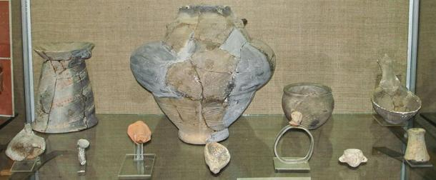 Cucuteni Trypillian culture archeological finds discovered in Moldova, circa 3650 BC. (Public Domain)