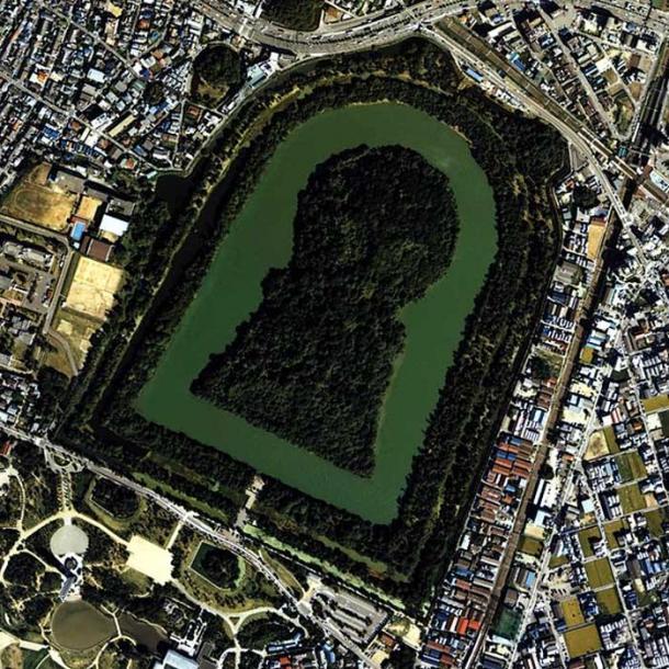 Daisen-kofun in Sakai, Osaka, Japan. This is one of the largest tombs in the world.