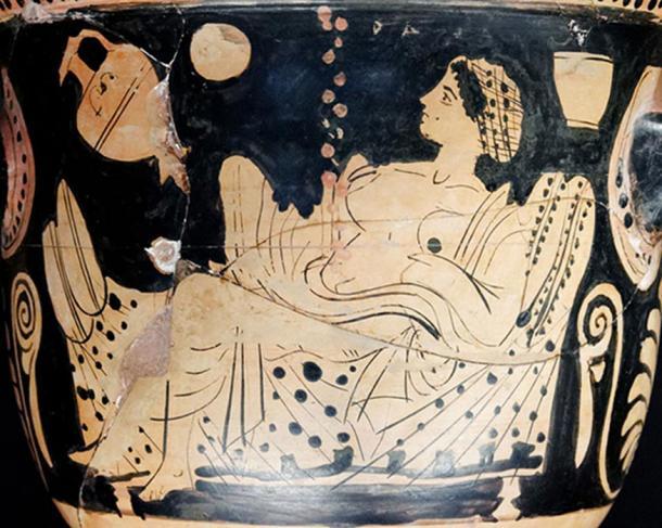 Danaë and a shower of gold, representing god Zeus visiting and impregnating Danaë.