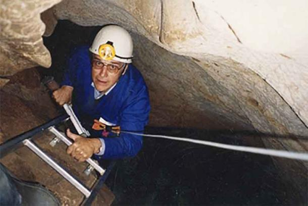 The South African archaeologist David Lewis-Williams descending into a part of Chauvet Cave, France, which is also famous for its cave paintings and where, according to Lewis-Williams, ancient shamans may have held hallucinogenic musical gatherings. (David Lewis-Williams / CC BY-SA 3.0)