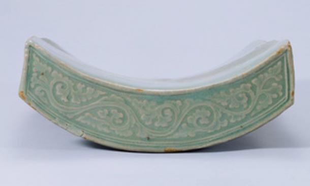 Decorated celadon roof tile of the Koryo/Goryo dynasty.
