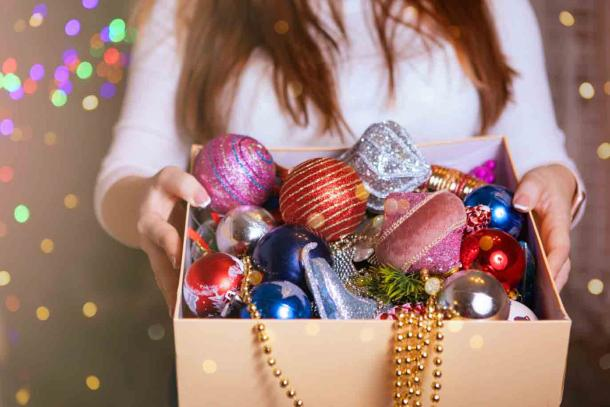 Depending on what you believe, you can decide when to take the Christmas decorations. (olgasparrow / Adobe Stock)