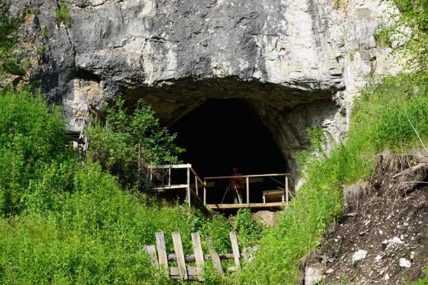 Denisova cave. (loronet / CC BY-SA 2.0)