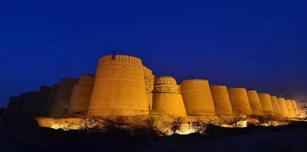 Derawar Fort in the night.