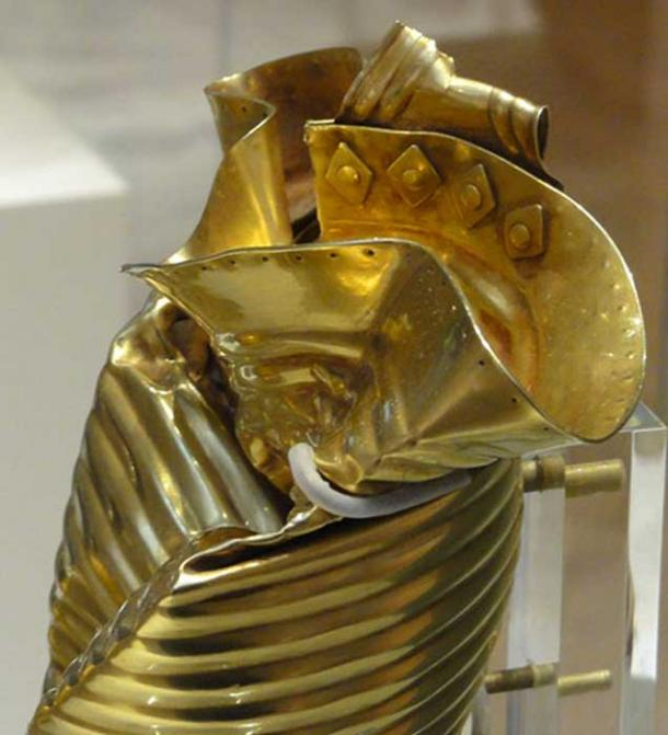 Detail of Ringlemere Cup showing rivets and lip decoration. (CC by SA 3.0)
