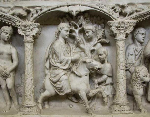 Detail on Junius Bassus' sarcophagus showing Jesus' entry into Jerusalem.