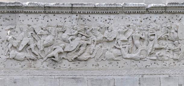 Detail of a sculpted panel on the Triumphal Arch of Orange. (CC BY-SA 4.0)