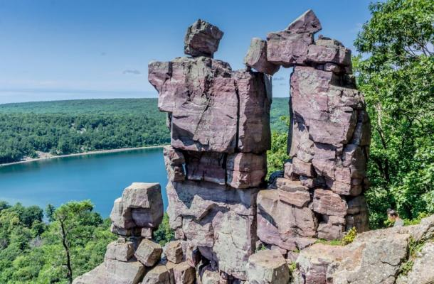 Devil's Gate rock formation at Devil's Lake State Park in Wisconsin